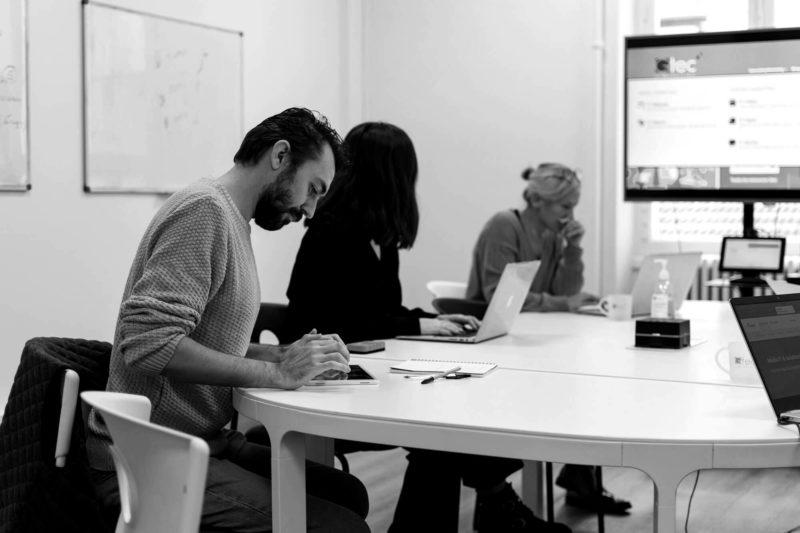 réunion marketing pour un éditeur de logiciel