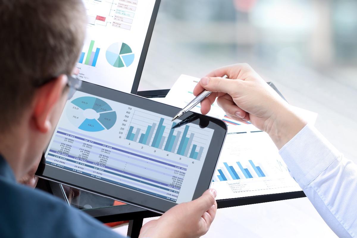 Consultation de statistiques pour une étude de marché IT